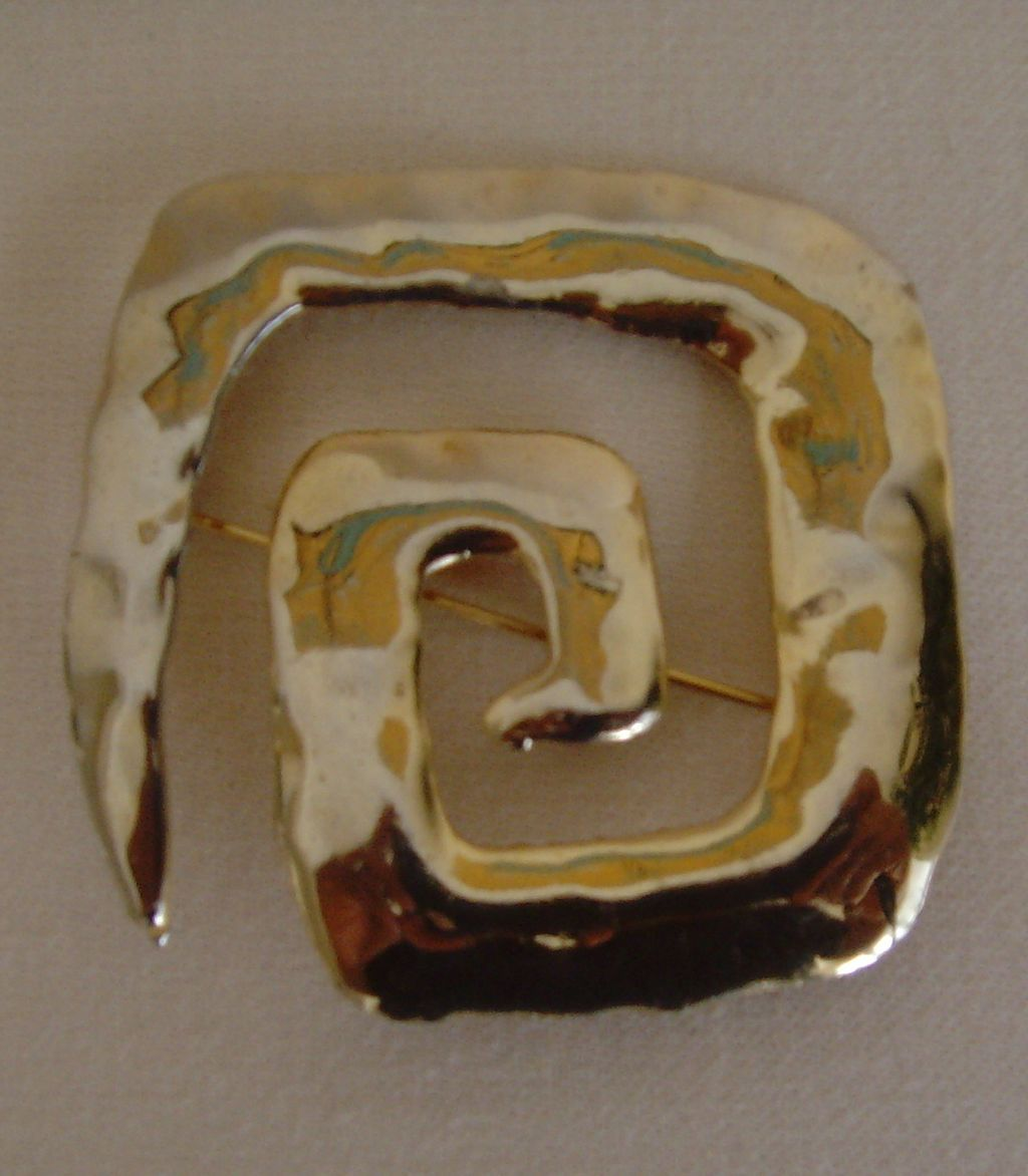 Gold-Toned Free-Form Pin