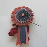 Victory WW 2 Antique celluloid victory pin