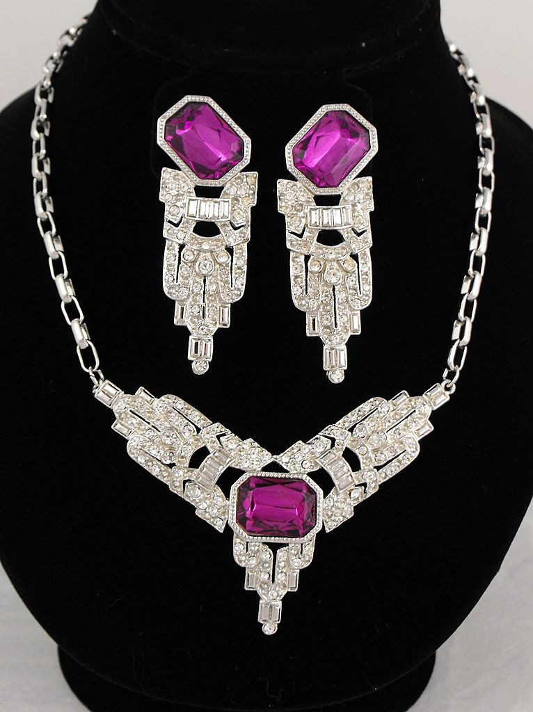 Stunning Vintage Park Lane Necklace and Earrings Set
