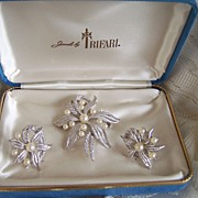 Vintage Signed Demi Parure In Original Box