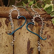 Heart Earrings of Crystal, Sterling Silver and Artistic Wire