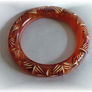 Vintage carved rootbeer swirl bakelite bangle bracelet