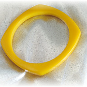 SALE PENDING Golden yellow vintage bakelite rounded square slice bangle bracelet