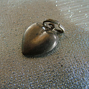 Vintage puffy sterling silver heart charm Italy