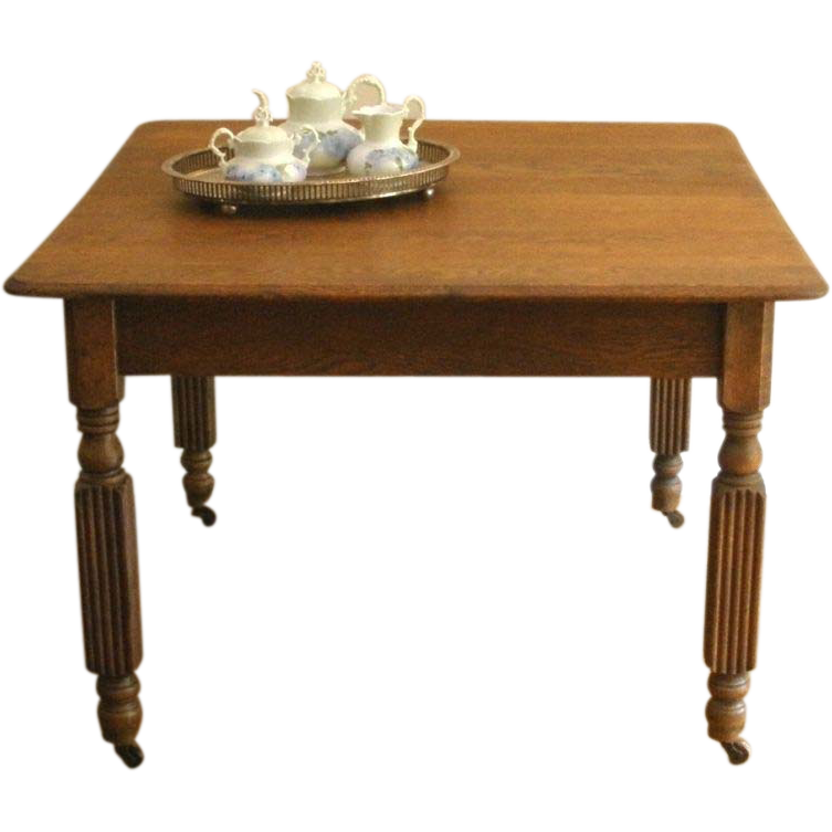 Antique English Oak Extending Dining Table.