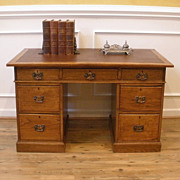 Antique English Oak Leather Top Knee Hole Desk, Bureau.