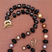 Black Agate, Onyx and Swarovski Pearls Necklace and Earrings Set