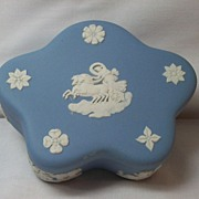 Wedgwood Jasperware star-shaped pin box in blue