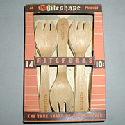 "SALE ""Rite-Shape"" Wooden Fork Set from the 1930's - 1940's"