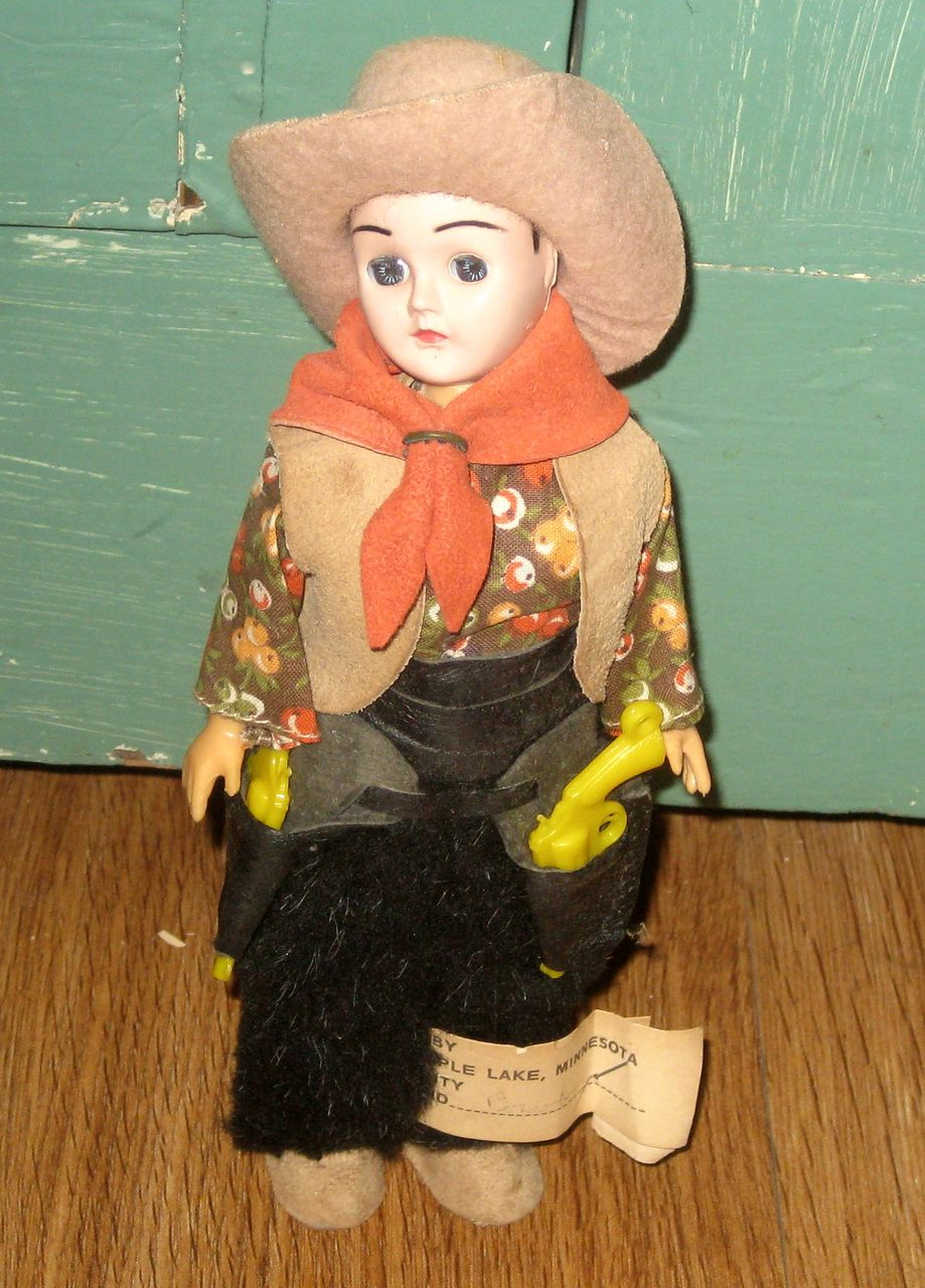 Vintage Carlson Doll  Cowboy Cowgirl Sleep Eyes Original Tag