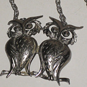 REDUCED Very Cool Vintage Owl Pendant Necklace Double Owls Silvertone