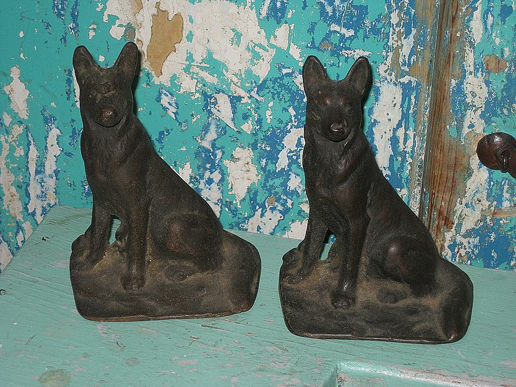 Vintage Cast Iron German Shepherd Dog Book Ends