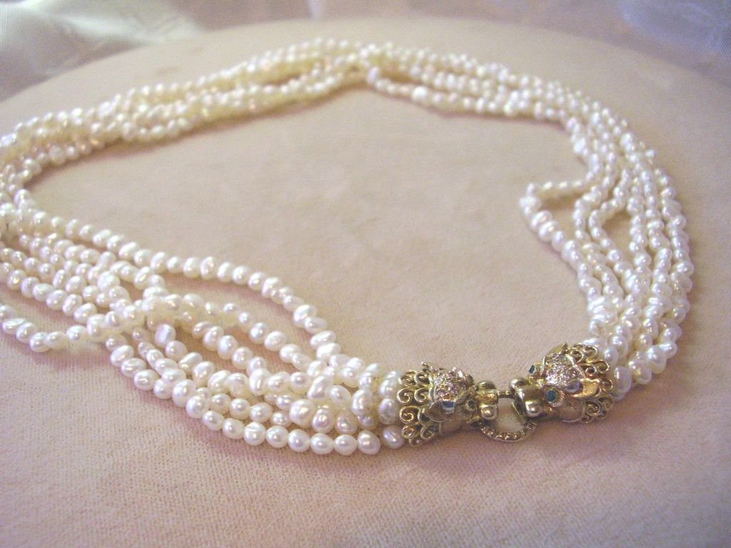 Freshwater pearls jewelry : Cultured freshwater pearl necklace kt gold diamond