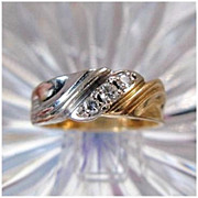 10 Karat White & Yellow Gold Diamond Ring - Size 8