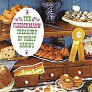 1962 Fleischmann Treasury of Yeast Baking Cookbook - Illustrated / Advertising / Vintage / Bre