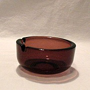 Vintage Collectible Round Hazel Ware Moroccan Amethyst Ash Tray 1960s Like New Condition