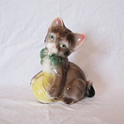 Vintage Spaulding Royal Copley Cat Playing with Ball of Yarn 1940-50s Excellent Condition