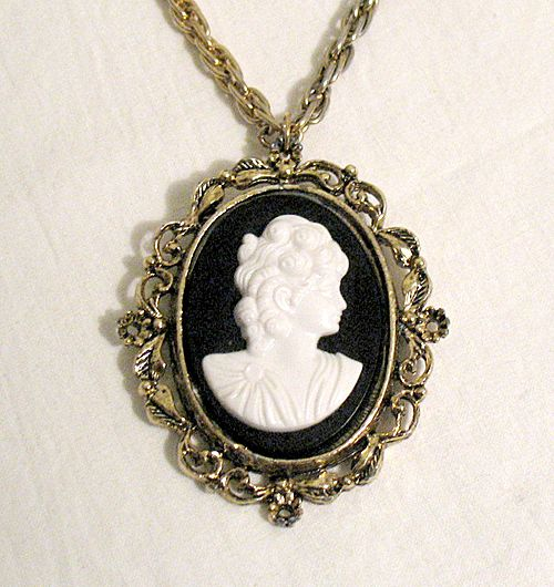 vintage cameo brooch lookup beforebuying
