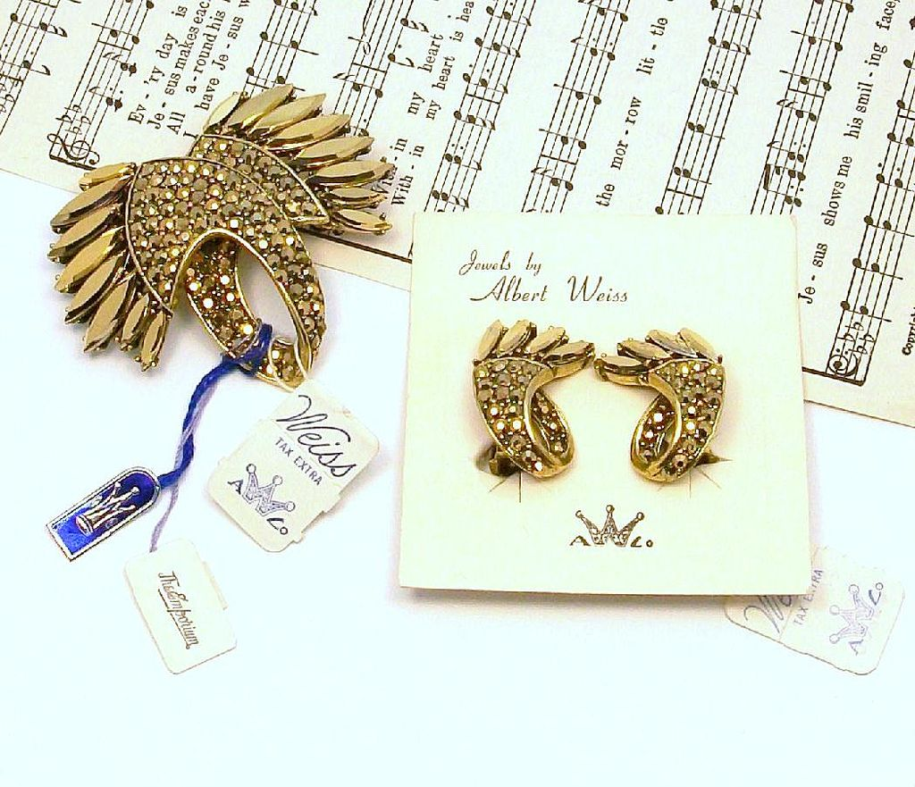 WEISS Pin and Earrings Demi-Parure -Gold Luster Rhinestones!