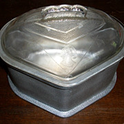 Guardian Service Triangular Pot with Glass Lid
