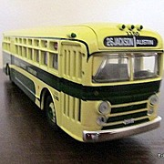 REDUCED Corgi GMC Bus Model Chicago Motor Coach 1/50 New & Box