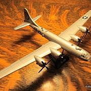 Model Power Brand 1/200 B-29 Model Enola Gay