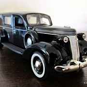 Phoenix Model 1/43 Scale 1937 Studebaker Hearse