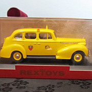 Rextoy 1/43 Scale 1940 Packard Yellow Cab Display & Box