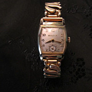 17 Jewel Bulova Men's Curvex 1940's