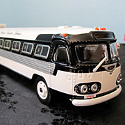 Corgi 1/50 Scale Flxible Clipper - King Ward Bus Company