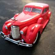 1938 Red Cadillac Coupe 1/43 Die Cast Twin Side Mounts