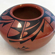 Jemez Pueblo New Mexico Indian Pottery Tulip Shape Bowl
