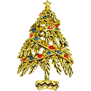 Vintage Signed Art Designed Christmas Tree Pin