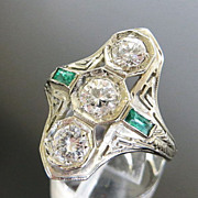 Lady�s 18K Art Deco Diamond & Emerald Ring