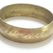 Vintage Etched Stamped Brass Floral Botanical Bangle Bracelet
