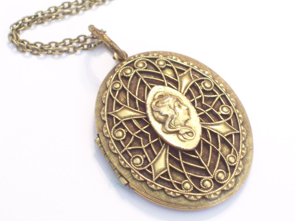 Vintage Art Nouveau Goddess Unsigned Goldette Locket, Ornate Filigree Antiqued Goldtone Pendant Necklace