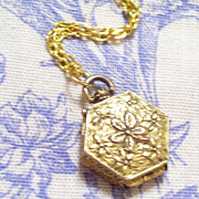 Vintage GOLDETTE Gold Plated Art Nouveau Style Floral Hexagonal Locket Pendant Necklace