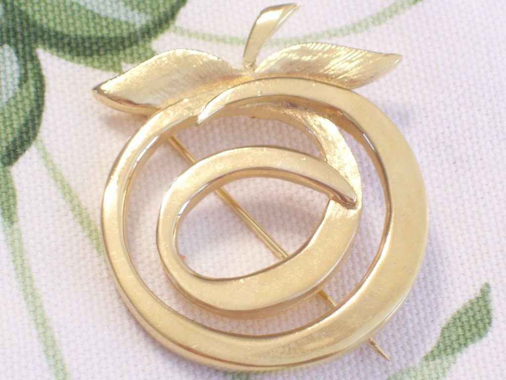 Rare Vintage RENOIR SAUTEUR Golden Glow Modernist Apple Pin Brooch
