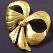 REDUCED Rare Vintage RENOIR Sauteur Golden Glow Bow Pin Brooch