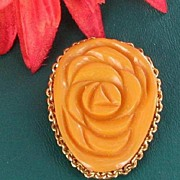 Vintage Tested Genuine Butterscotch Yellow Bakelite Flower Dress Clip