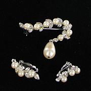 Richelieu Vintage Faux Pearl and Rhinestone Demi - Brooch Earrings