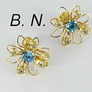 BN Vintage Signed Blue Rhinestone Screw Back Flower Earrings