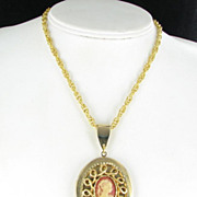 Vintage Cameo Locket  Pendant Necklace Gold Tone Acrylic