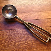 REDUCED Dairy Fresh Ice Cream Scoop Brass