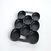 REDUCED Cast Iron Oval Muffin Cornbread Pan