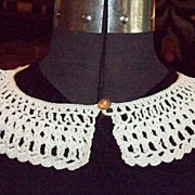 Vintage Ecru Crocheted Dress Collar