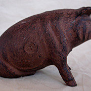 Vintage A.C. Williams Cast Iron Sitting Pig
