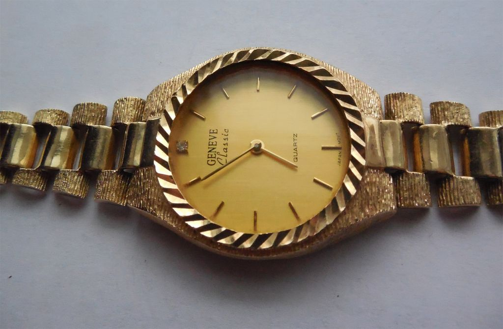 solid 10k gold band with geneve classic or