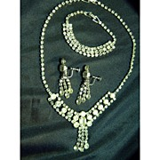 Sparkly Vintage Rhinestone Parure - Necklace Bracelet Earrings