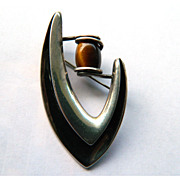 Vintage Sigi Pineda Signed Boomerang Brooch in Sterling Silver and Tigers Eye - Midcentury Mod